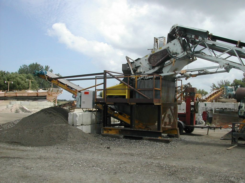 "Kenco ""Black Gold"" RAP Crusher properly installed at stationary plant with screen deck"